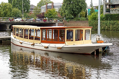 Netherlands-4077 - Great Boat (archer10 (Dennis) REPOSTING) Tags: holland netherlands amsterdam hotel boat tour sony trafalgar free canals covered dennis jarvis iamcanadian freepicture dennisjarvis archer10 dennisgjarvis nex7 18200diiiivc