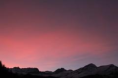 Sonnenaufgang - Sunrise im Urner Reusstal im Kanton Uri in der Schweiz (chrchr_75) Tags: chriguhurnibluemailch christoph hurni schweiz suisse switzerland svizzera suissa swiss chrchr chrchr75 chrigu chriguhurni 1401 januar 2014 hurni140106 januar2014 sonnenaufgang sonnenaufgänge albumsonnenaufganginderschweiz zonsopgang lever du soleil sunrise