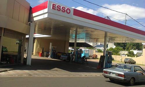 ESSO Servicentro Perilli Hnos. - Estación de servicio