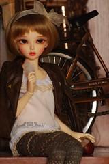 Auri Shelfing (Red Ribboned Dolls) Tags: redribbon chloe bjd fairyland abjd auri mnf minifee