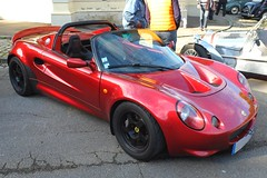 LOTUS Elise 111S rouge mtal (xavnco2) Tags: autos automobile cars british car lotus elise 111s rouge red amiens somme picardie france rassemblement octobre 2016 lahotoie club arpaa meeting raduno