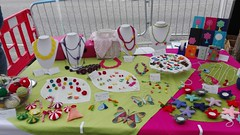 Headington market this morning. If you missed it don`t worry. Come to visit us next Saturday 29 October. We will be there again, from 9am to 2pm (Le Muse di Scicli) Tags: limoni agrumi sicily handmade fattoamano sicilia scicli oxford headingtonfarmermarket uncinetto crochet necklace collane bracelet earrings orecchini bracciali handmadejewelry christmasdecoration agenda