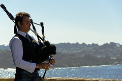 Cornemuse player (Greelow) Tags: greelow nikon d7000 ploumanach france bretagne breizh coast sea brittany rock rocher cornemuse music musique joeur instrument son bagpipe celt celtic culture celtique