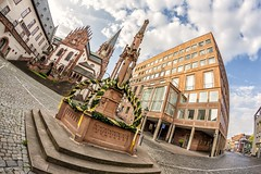 Brunnen auf dem Stiftsplatz (mrocek) Tags: 2014 aschaffenburg bayern deutschland brunnen strase stiftsbrunnen stiftskirche rathaus wolken panoramio7769543105753204