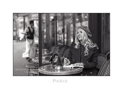Paris n83 - Le Joie de Vivre (Nico Geerlings) Tags: paris parijs france cafe cafedeflore saintgermain saintgermaindespres boulevardsaintgermain streetphotography ngimages nicogeerlings nicogeerlingsphotography leicammonochrom 50mm summilux