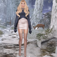 #51 You Dont Have To Give It All Away. (Violet Batriani) Tags: blue blush kitja sweater dress wavyhair secondlife secondlifefashion blog blogger boots winter meshbody meshhead catwa knot knots fuzzy