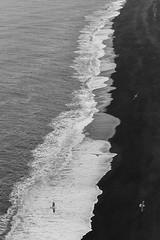 Vik, iceland (impodi@gmail.com) Tags: vik mar playa blancoynegro blackandwhite monocromo paisaje iceland island dyrholaey reynisdrangur trolls reynisfjall