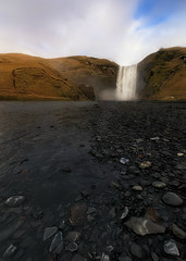 Skógafoss (Toni_pb) Tags: skogafoss iceland islandia cascada tonipou travel texturas trip waterscape water contrast contraste landscape seascape nikon nature nubes clouds nikkor1424f28 d810 outdoor naturaleza waterfall