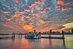 火燒大稻埕 Taipei Sunset (yiming1218) Tags: 大稻埕 碼頭 火燒雲 夕陽 台北 台灣 風景 taipei sunset evening glow cloud sky water red sony fe 2470mm gm f28 gmaster sel2470gm a7r2 a7rm2 a7rii ilce7rm2 stc vnd landscape