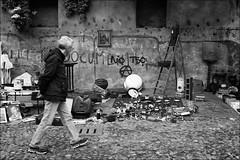 Torino 0416 (malko59) Tags: torino turin granbalon balon brocante biancoenero blackandwhite street urban italia italy