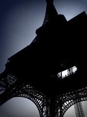 Le Tour d'Eiffel ([dan_gildor]) Tags: paris france tower silhouette eiffel