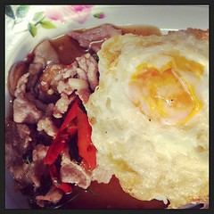 #กะเพราไก่ #ไข่ดาว