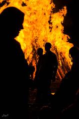 Schattenspiel (-BigM-) Tags: june juni fire photography fotografie 21 flame solstice feuer flamme kreis bigm gppingen adelberg sonnwende