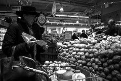 X100-01-20-13-36 (a.cadore) Tags: nyc newyorkcity bw shopping supermarket wholefoods fujifilm produce x100 23mm fujifilmx100 23mm35mmequivalent