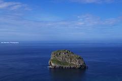Horizon with Akatx Island (Iker Merodio   Photography) Tags: de san juan pentax horizon country bizkaia basque euskadi horizonte bermeo lekeitio gaztelugatxe biscay k50 akatx