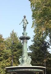 Johanna (magro_kr) Tags: göteborg goteborg goeteborg gothenburg szwecja sweden sverige västragötaland vastragotaland fontanna statua rzeźba rzezba fountain statue sculpture