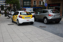 cars (Jusotil_1943) Tags: silver yellow coches cars seales trafico