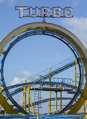 Brighton Pier Roller Coaster (grahambrown1965) Tags: brighton sussex pier brightonpier palacepier turbo seagull herringgull bird birds pentaxk5iis pentax k5iis 55300mm hdpentaxda55300mmf458ed hdpentaxda55300mmf458edwr
