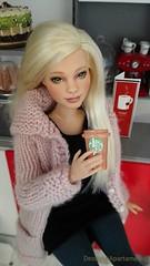 BRIDGET.. Ooak Barbie Curvy #barbie #Diorama #roombox #fashiondolls (Desde mi apartamento) Tags: fashiondolls diorama roombox barbie
