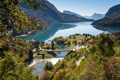 Uno Sguardo sul Lago (lorenzapanizza) Tags: molveno lagodimolveno lake valdinon landscapephotography autumnphotography autumn colors blu mountains light sun