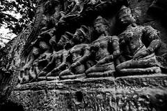 Figures (Arbron) Tags: cambodia taprohm asia2015 rajavihara siemreap temple   krongsiemreap kh