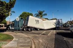 Sharp Turn - 18-Nov-2016 (Cesar - 32photos) Tags: nikond800 d800 nikon nikkor nikkor2470mmf28 accident truck semi semitruck rig accidents truckaccidents semiaccident trucking trucker safedriver
