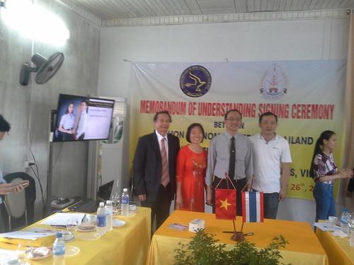 """VIỆN ĐÓN  Đoàn công tác của Giám đốc Đại học Nakhon Phanom đến thăm và ký văn bản hợp tác • <a style=""""font-size:0.8em;"""" href=""""http://www.flickr.com/photos/145755462@N06/30643450900/"""" target=""""_blank"""">View on Flickr</a>"""