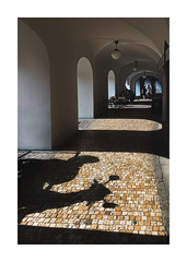 Archey-type (icypics) Tags: architecture czechrepublic prague arch leadinglines moped motorcycle negativespace perspective shadows subframe warmcoolcomtrast