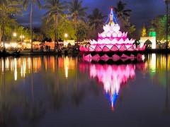 Sukhothai - Loi Krathong (sharko333) Tags: travel voyage reise asia asie asien thailand thailande sukhothai loikrathong water pavillion illumination olympus em5