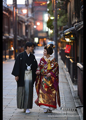 Couple in traditional garb walking in the old Shinbashi area of Gion, Kyoto, Japan (jitenshaman) Tags: asia asian travel destination worldlocations orient oriental japan japanese kyoto gion shinbashi pontocho tradition traditional kimono geisha costume era shogun ancient couple