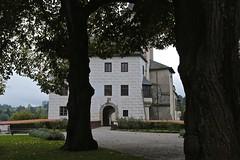 Entrance ~ Rožmberk Castle 01 (smilla4) Tags: trees silhouettes castle entrance portal czechrepublic paintedfacade rozmberkcastle rozmberknadvltavou