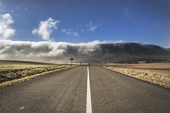 ZUHATZU, (ARABA) (T.Miravalles) Tags: canon7d 7dmarkii zuhatzu araba zuazo paisaje landscapes carretera linea asfalto errepidea bidea clima