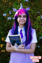 Modix 12 (Watashi wa ureshii) Tags: canon cosplay cartoon libro sicilia mylittlepony magia fumetto unicorno 2013 marinadimodica twilightsparkle modix