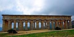 Piedra a piedra (Jesus_l) Tags: europa italia sicilia segesta trapani templodrico jesusl