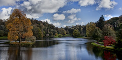 Stourhead (yadrad) Tags: autumn lake stourhead wiltshire nationaltrust tuliptree palladianbridge bristolhighcross