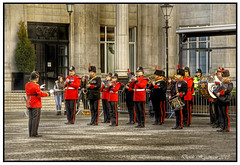 BAND WITH   1st.RTR (DEZ 2) Tags: afghanistan candid band hdr exchangeflagsliverpool 1stroyaltankregiment