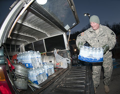 West Virginia National Guard (The National Guard) Tags: west water soldier virginia dc teams support unitedstates tn military guard testing wv civil national westvirginia valley nationalguard soldiers oh ng winfield emergency samples guardsmen troops jars biological chemical supply response cst putnam contamination contaminated guardsman airman airmen analyze kanawha potable labratory radiological cbrn watercontamination cerfp wvng nuclearandhighyieldexplosiveenhancedresponseforcepackage