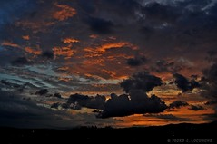 Sabadell, 15 juny 2014, 21:30 (Perikolo) Tags: sunset sol clouds atardecer nubes puesta posta núvols sabadell capvespre