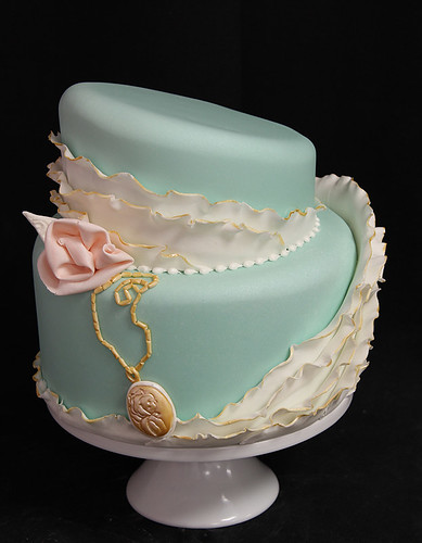 Vintage Teal Gold Chain Ruffle Wedding Cake