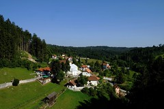 Predjama (13) / Karst / Eslovenia / Slovenia (Ull mgic) Tags: predjama karst eslovenia slovenia vall bosc bosque nucliantic prats cel cielo natura naturaleza nature paisatge paisaje landscape fuji xt1
