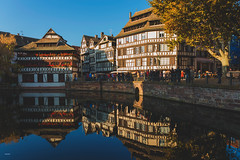 Le Petite France / Strasbourg (CROMEO) Tags: strasbourg estrasburgo le petite france francia canal casas tipicas houses francesas alsace alsacia tourism cromeo cr luces lights nikon day sunny sun water