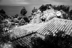 televs (superstarfighter) Tags: mallorca balearen baleares beach ocean oceanview blackwhite sw schwarzweis urbanfragments fujifilm x100s fujix100s 35mm