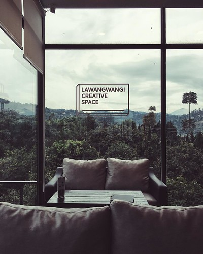 Lovely art space + beautiful scenic