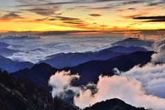 Sunset at Mountain Hehuan  (Vincent_Ting) Tags:    sunset   clouds  sky    taiwan formosa    flare    star startrails trails  night  crepuscularrays glow mountain moonlight     milkyway galaxy  sunrise   hthehuan     vincentting mountainhehuan seaofclouds