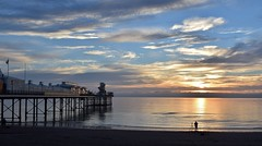 Sunrise (Hoovering_crompton) Tags: sun rise paignton pier english riviera torbay channel