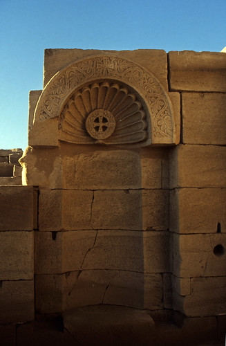 "Ägypten 1999 (527) Tempel von Dendera • <a style=""font-size:0.8em;"" href=""http://www.flickr.com/photos/69570948@N04/30588488723/"" target=""_blank"">View on Flickr</a>"