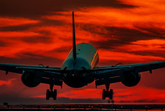 haven on fire (mrsyclone) Tags: haven fire b777 lax boeing airbus landing sunset 777 sunrise aviation flying airplane aircraft wow