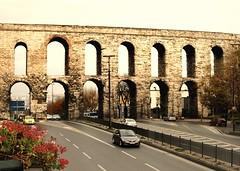 Roman Aqueduct (Yuri Loi) Tags: contrast turkey high istanbul romano trkei turchia aqudukt acquedotto