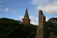 St Magnus Cathedral and Earls Palace (Owen H R) Tags: history st orkney cathedral palace magnus earls kirkwall owenhr