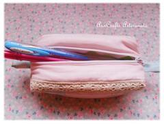 Porta-lápis da Verónica - romantique V (AnnCrafts Artesanato) Tags: vintage fabric tilda pencilcase portalápis necessaires vintagepurse